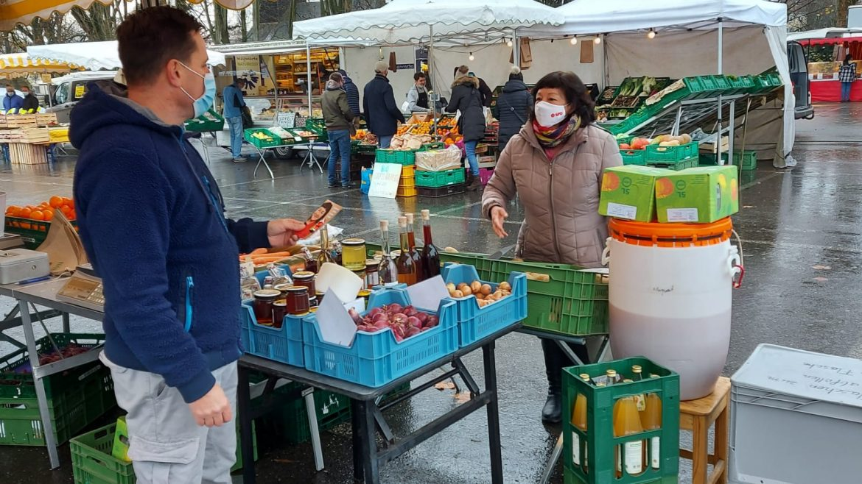 Petra auf dem Markt in Konstanz
